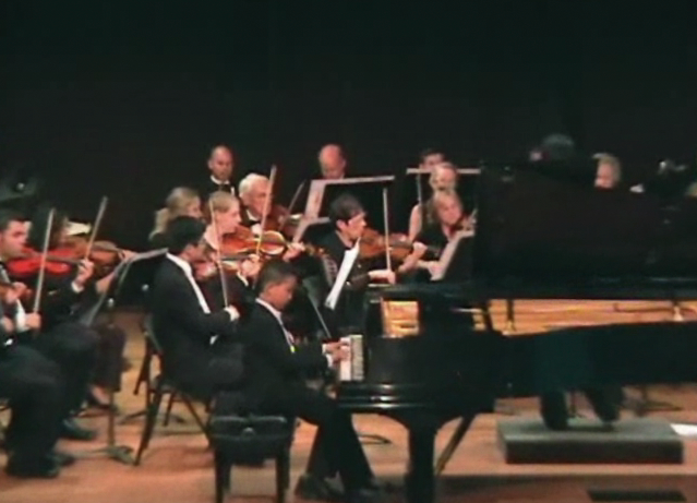 Michael Chen plays Beethoven Piano Concerto 1st movement