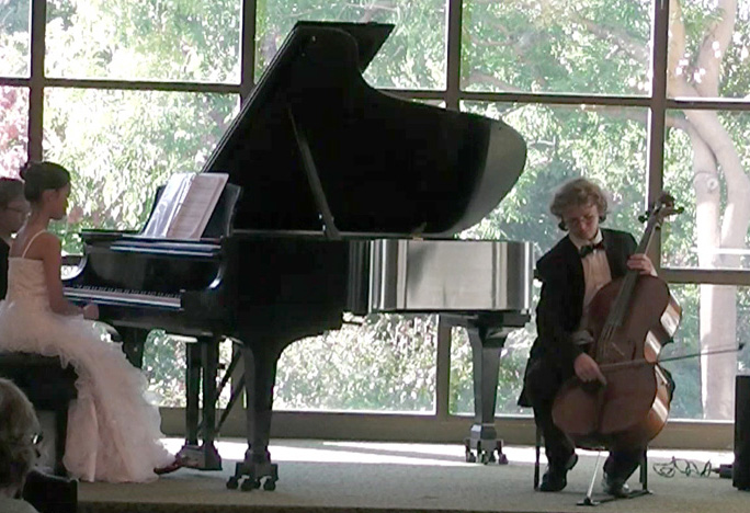 Photo - pianist Clara Truong and cellist Paul Maxwell